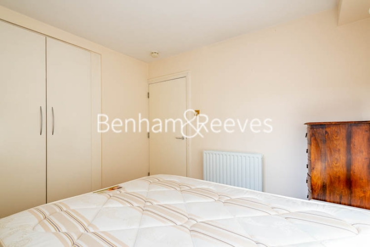 1 bedroom(s) flat to rent in West Smithfield, Farringdon, EC1-image 9