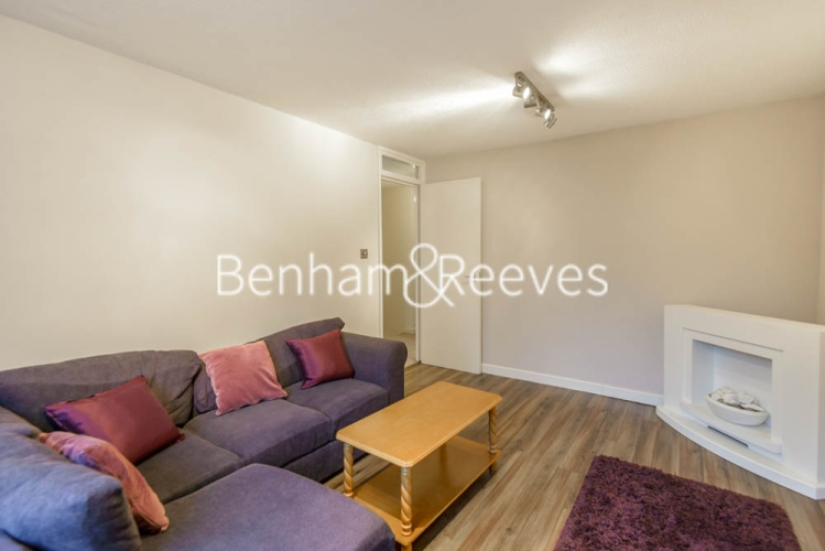 2 bedroom(s) flat to rent in Shire House, Lamb's Passage EC1-image 1