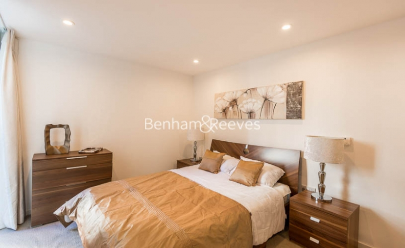 2 bedroom(s) flat to rent in Dance Square, City, EC1V-image 3