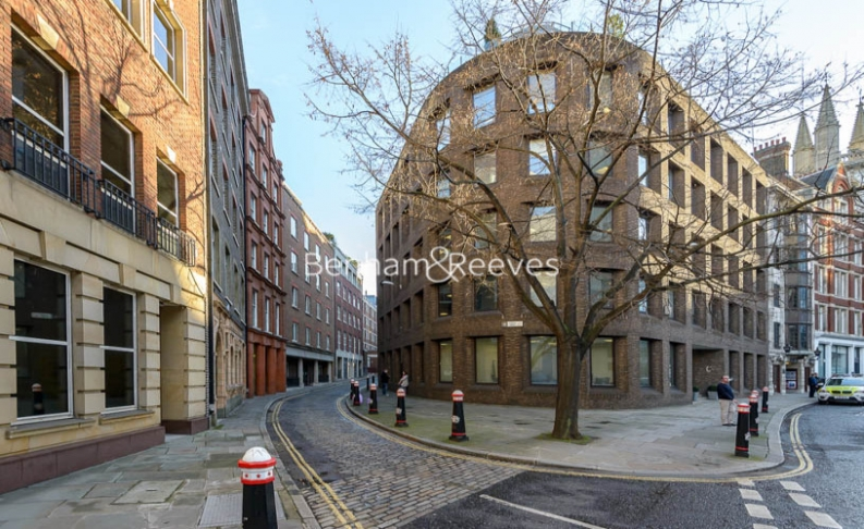 1 bedroom(s) flat to rent in Cock Lane, Snow Hill, EC1A-image 6