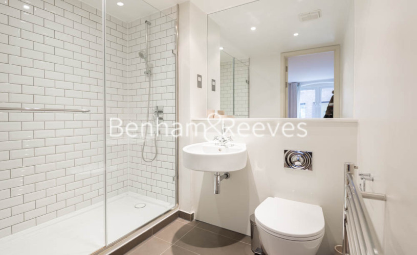 2 bedroom(s) flat to rent in Britton Apartments, Cock Lane, EC1A-image 4