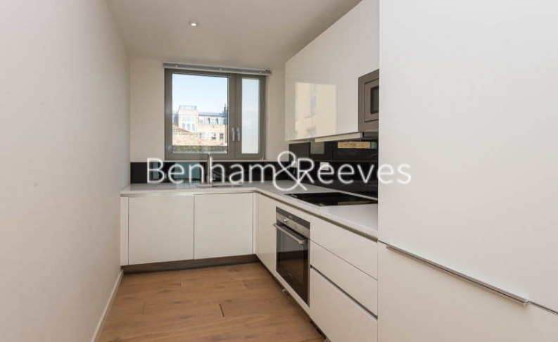 1 bedroom(s) flat to rent in Trematon Building, Regents Quarter, Trematon Walk, N1-image 2