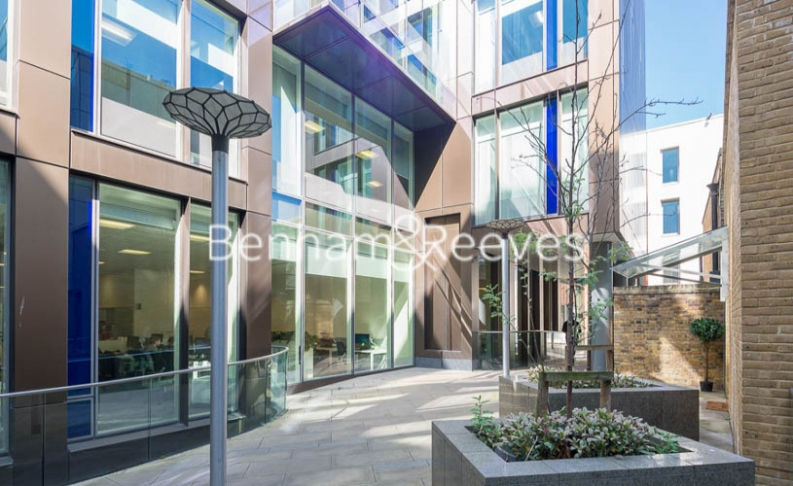 1 bedroom(s) flat to rent in Trematon Building, Regents Quarter, Trematon Walk, N1-image 6