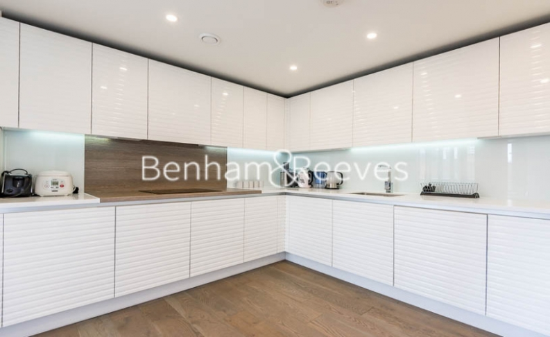 3 bedroom(s) flat to rent in Worcester Point, Clerkenwell Quarter, Seward Street, EC1V-image 2