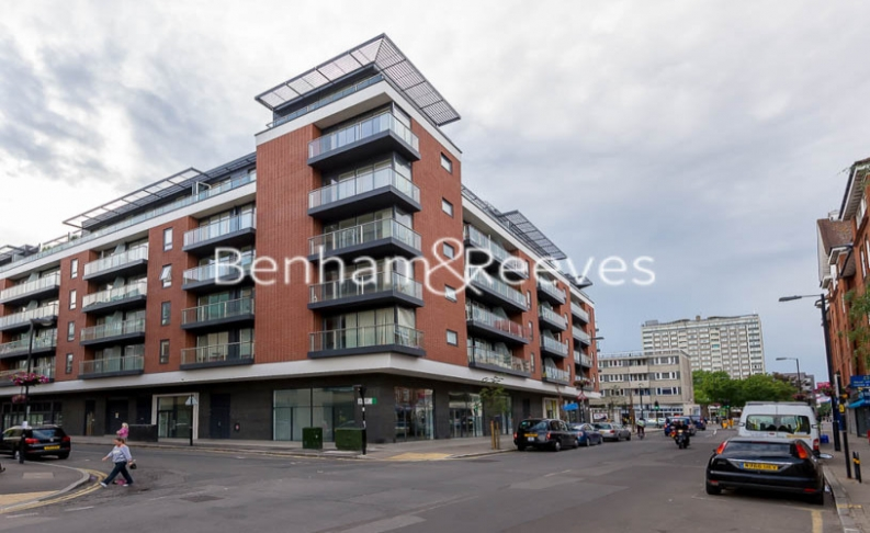 3 bedroom(s) flat to rent in Worcester Point, Clerkenwell Quarter, Seward Street, EC1V-image 8