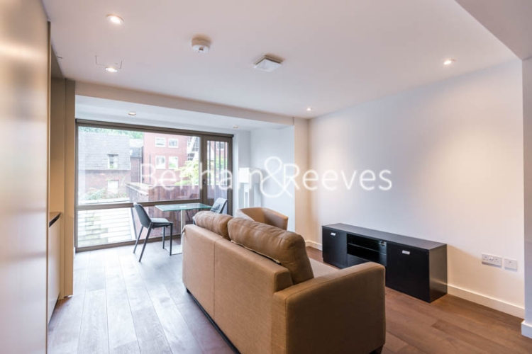 Studio flat to rent in The Greys, Gray's Inn Road, WC1-image 5