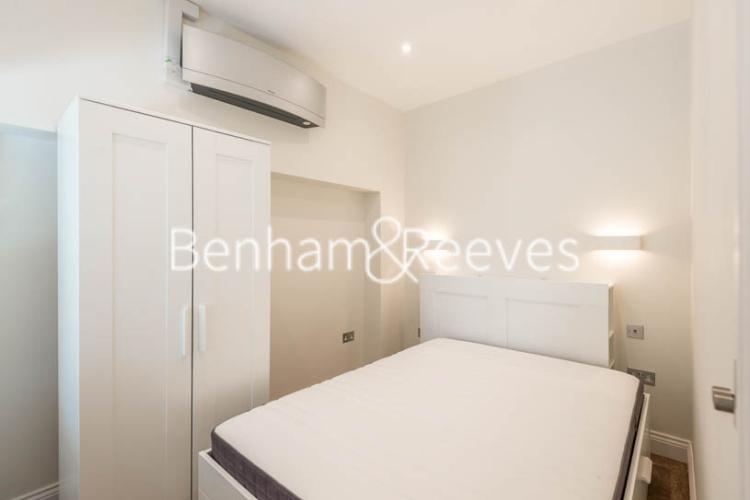 Studio flat to rent in Fleet Street, City, EC4A-image 2