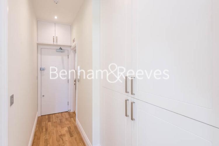 Studio flat to rent in Fleet Street, City, EC4A-image 4