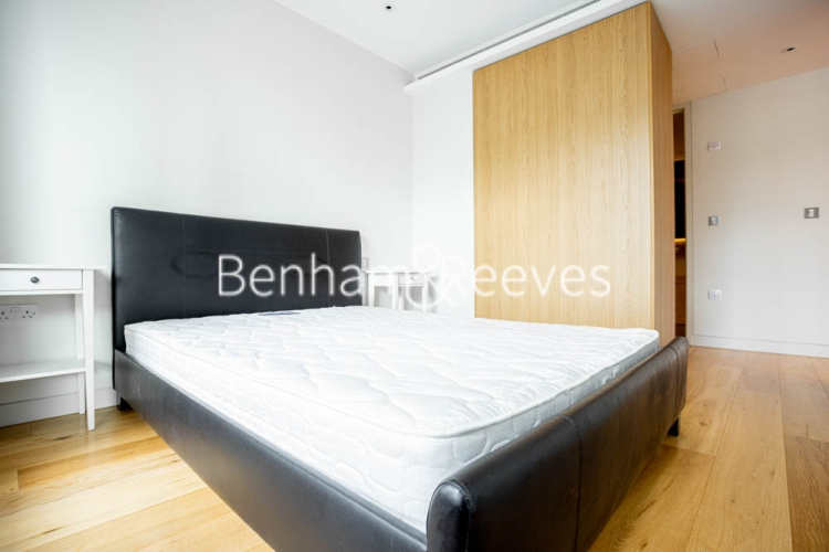 1 bedroom(s) flat to rent in Canaletto Tower, City Road, EC1-image 9