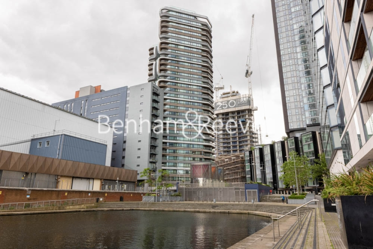 1 bedroom(s) flat to rent in Canaletto Tower, City Road, EC1-image 13