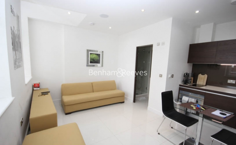 Studio flat to rent in Albany House, Judd Street, WC1H-image 2
