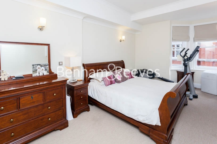 2 bedroom(s) flat to rent in Temple House, Temple Avenue, EC4Y-image 4