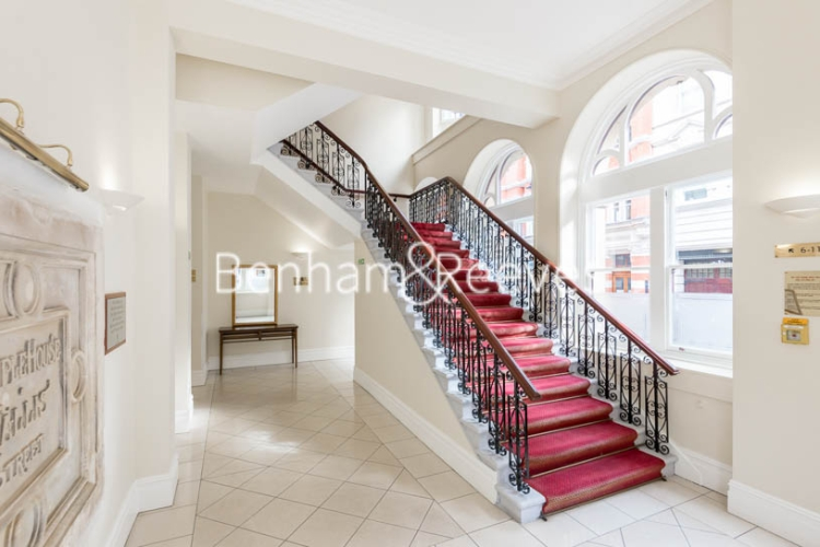 2 bedroom(s) flat to rent in Temple House, Temple Avenue, EC4Y-image 8