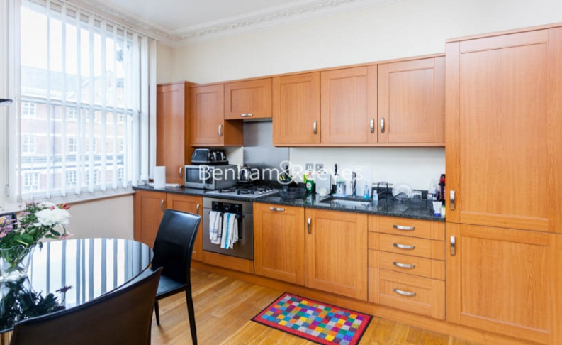 Studio flat to rent in Theobalds Road, Bloomsbury, WC1X-image 2