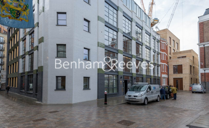 1 bedroom(s) flat to rent in Askew Building, Barts Square, St Pauls, EC1A-image 11