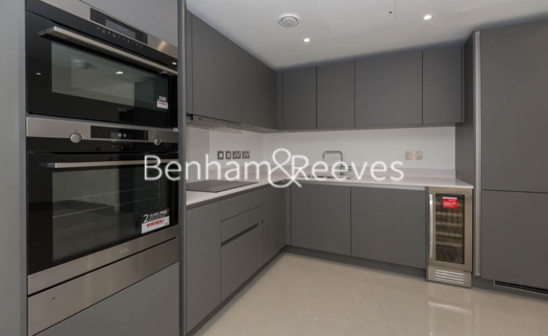 2 bedroom(s) flat to rent in St George Circus, Blackfriars Road, SE1-image 2