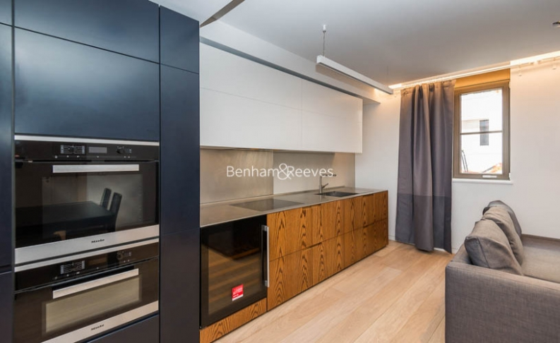 1 bedroom(s) flat to rent in Bartholomew Close, Barbican, EC1A-image 3