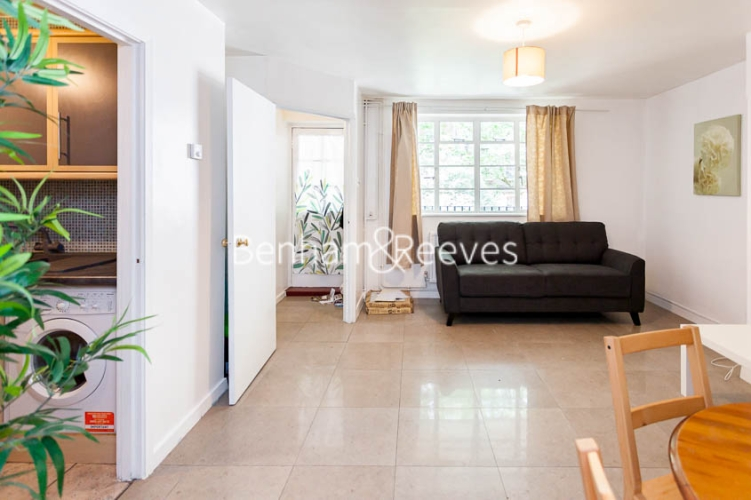 2 bedroom(s) flat to rent in Bevan House, Boswell Street, WC1N-image 1