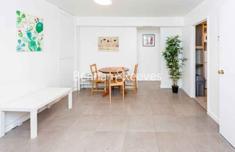 2 bedroom(s) flat to rent in Bevan House, Boswell Street, WC1N-image 3