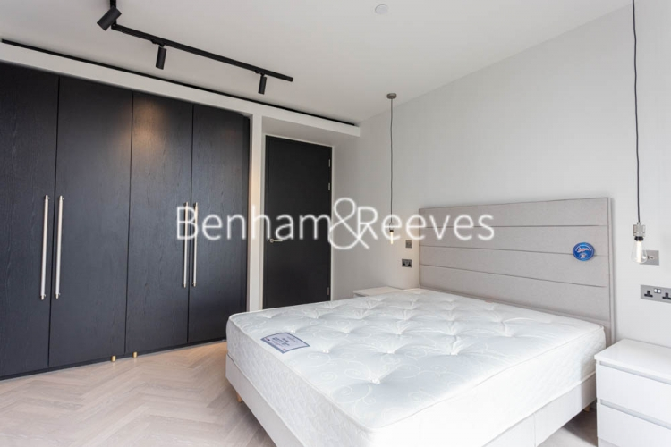 2 bedroom(s) flat to rent in One Crown Place, Sun Street, EC2A-image 8