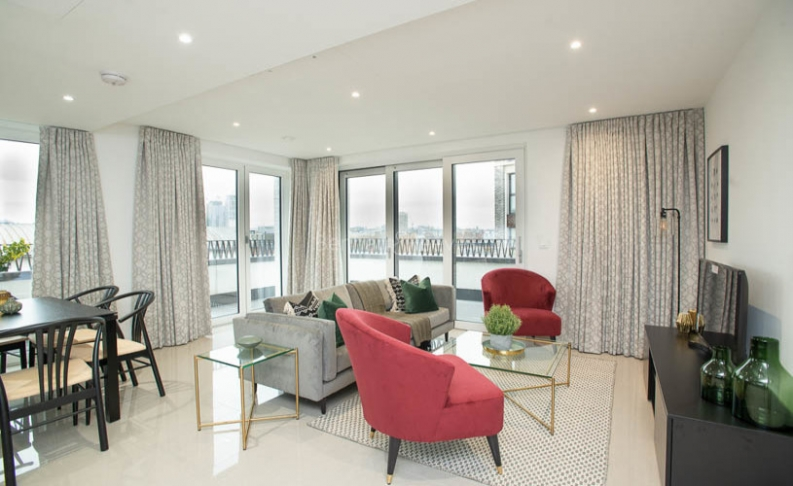3 bedroom(s) flat to rent in Delphini Apartments, Blackfriars Circus, SE1-image 1