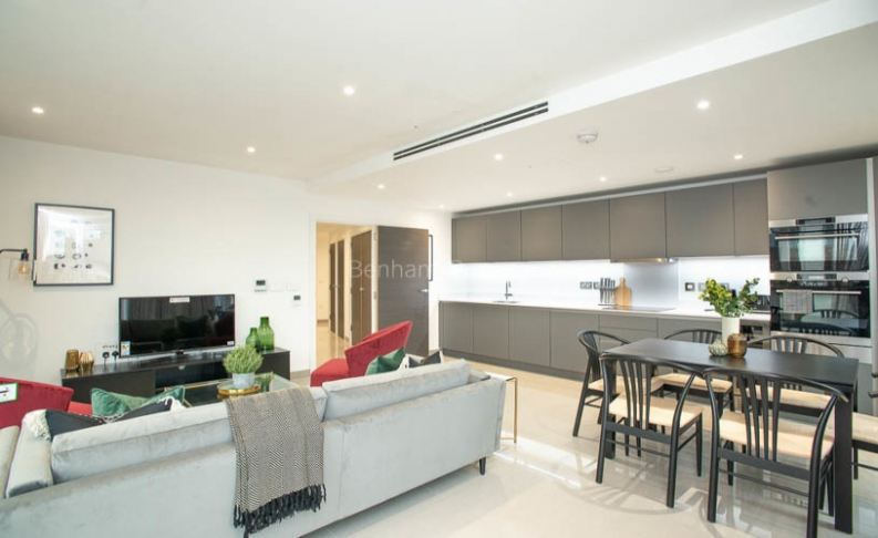 3 bedroom(s) flat to rent in Delphini Apartments, Blackfriars Circus, SE1-image 2