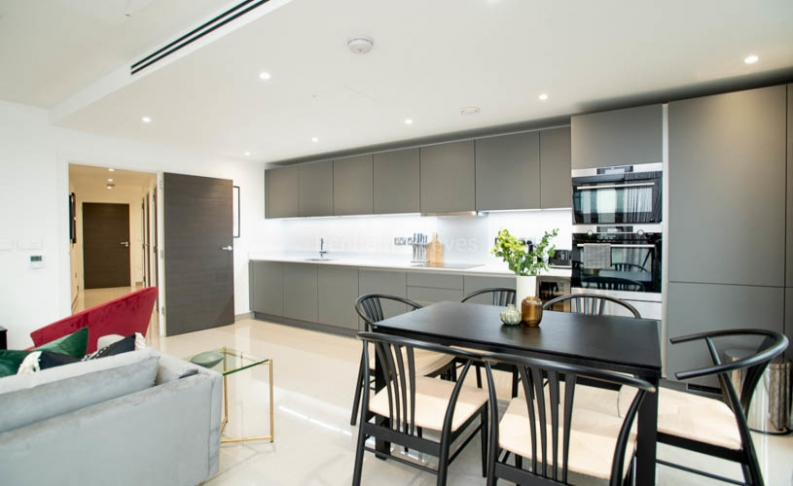 3 bedroom(s) flat to rent in Delphini Apartments, Blackfriars Circus, SE1-image 5