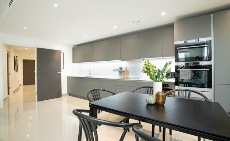 3 bedroom(s) flat to rent in Delphini Apartments, Blackfriars Circus, SE1-image 6