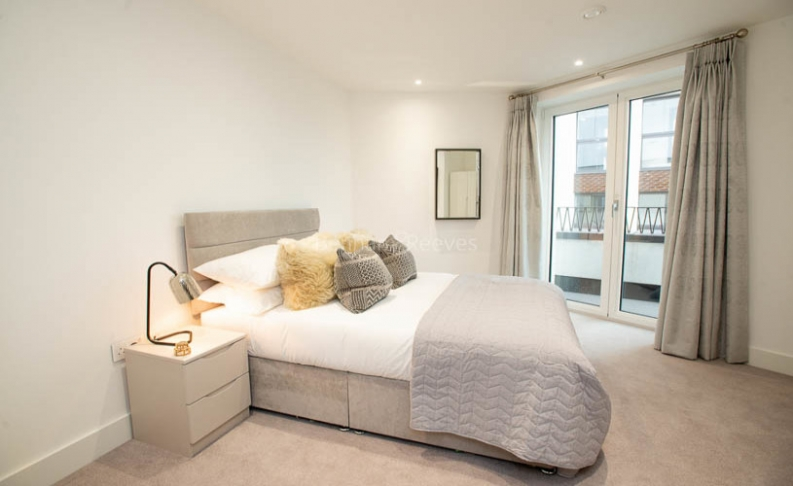 3 bedroom(s) flat to rent in Delphini Apartments, Blackfriars Circus, SE1-image 7