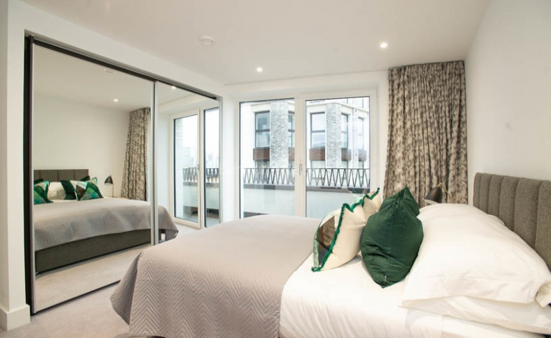 3 bedroom(s) flat to rent in Delphini Apartments, Blackfriars Circus, SE1-image 15