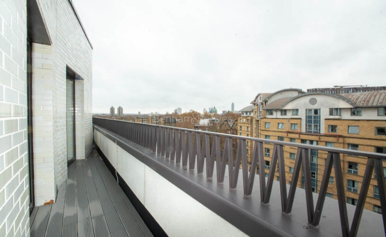 3 bedroom(s) flat to rent in Delphini Apartments, Blackfriars Circus, SE1-image 18