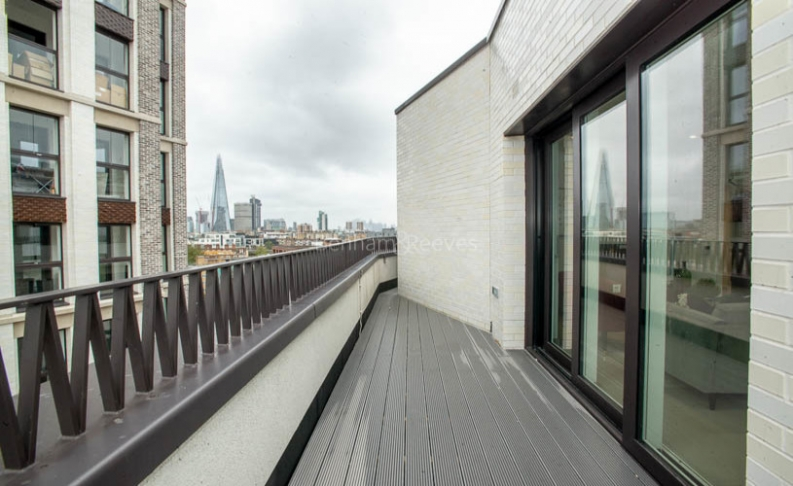 3 bedroom(s) flat to rent in Delphini Apartments, Blackfriars Circus, SE1-image 19