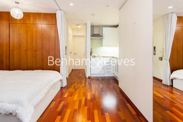 Studio flat to rent in Aria House, Craven Street, WC2N-image 8