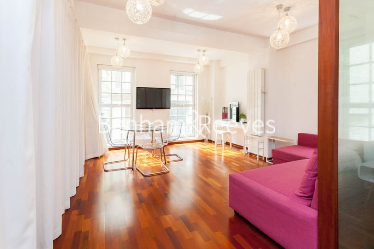 Studio flat to rent in Aria House, Craven Street, WC2N-image 11