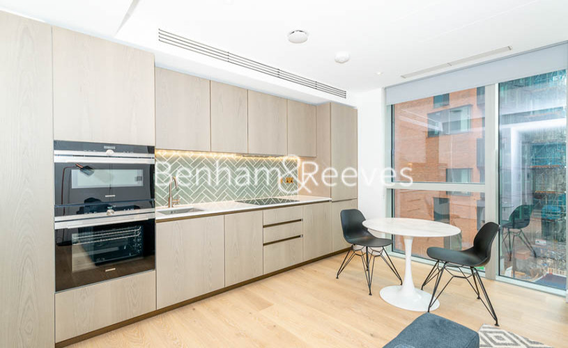 Studio flat to rent in The Atlas Building, City Road, EC1V-image 2