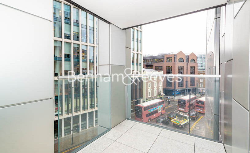 Studio flat to rent in The Atlas Building, City Road, EC1V-image 5