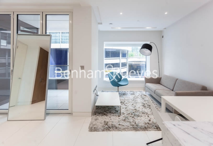 1 bedroom(s) flat to rent in Sugar Quay, 1 Water Lane, EC3R-image 1
