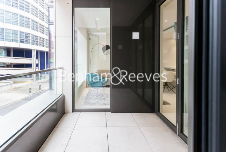 1 bedroom(s) flat to rent in Sugar Quay, 1 Water Lane, EC3R-image 5