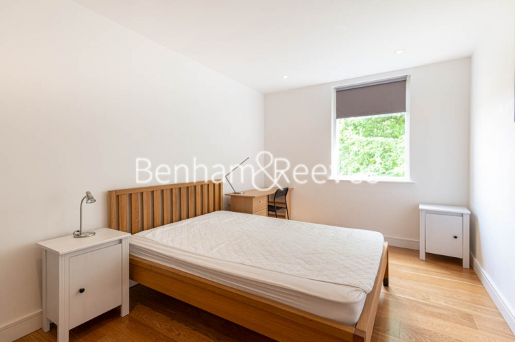 2 bedroom(s) flat to rent in Burleigh House, Westking Place, WC1H-image 3