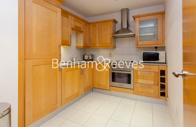 2 bedroom(s) flat to rent in Whitehouse Apartments, Waterloo, SE1-image 2