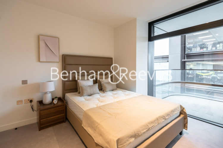 1 bedroom(s) flat to rent in Principal Tower, Worship Street, London, EC2A-image 3