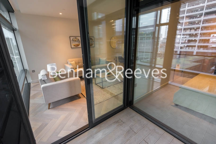 1 bedroom(s) flat to rent in Principal Tower, Worship Street, London, EC2A-image 9