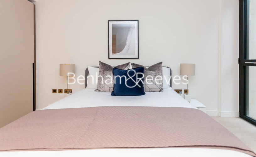 1 bedroom(s) flat to rent in Lincoln Square, Portugal Street, WC2A-image 14