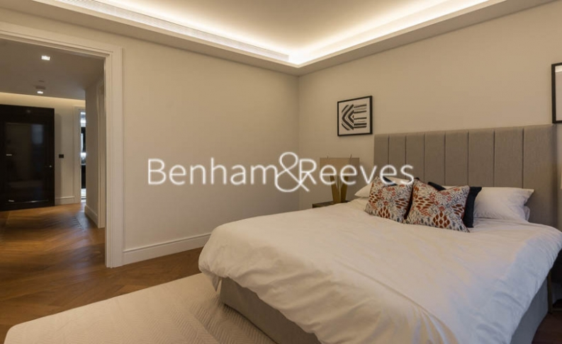 2 bedroom(s) flat to rent in Belvedere Garden, Southbank Place, SE1-image 18
