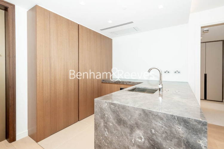 1 bedroom(s) flat to rent in Lincoln Square, Portugal Street, WC2A-image 2