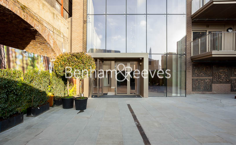 Studio flat to rent in Rosemary Building, Royal Mint Gardens, E1-image 17
