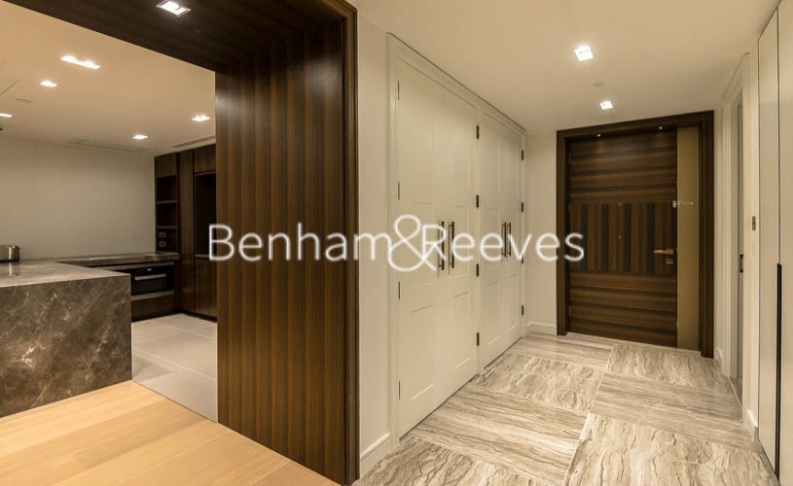 2 bedroom(s) flat to rent in Lincoln Square, Portugal Street, WC2-image 6