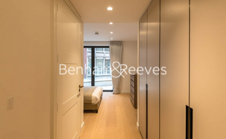 2 bedroom(s) flat to rent in Lincoln Square, Portugal Street, WC2-image 15