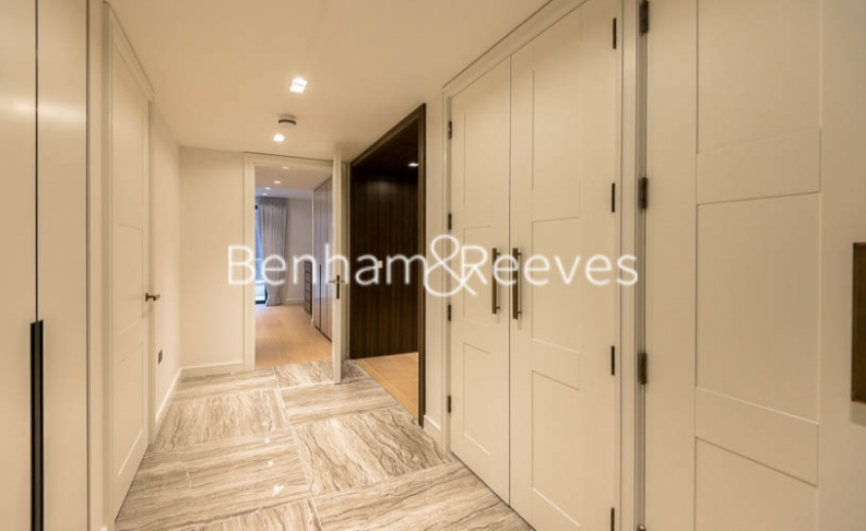 2 bedroom(s) flat to rent in Lincoln Square, Portugal Street, WC2-image 19
