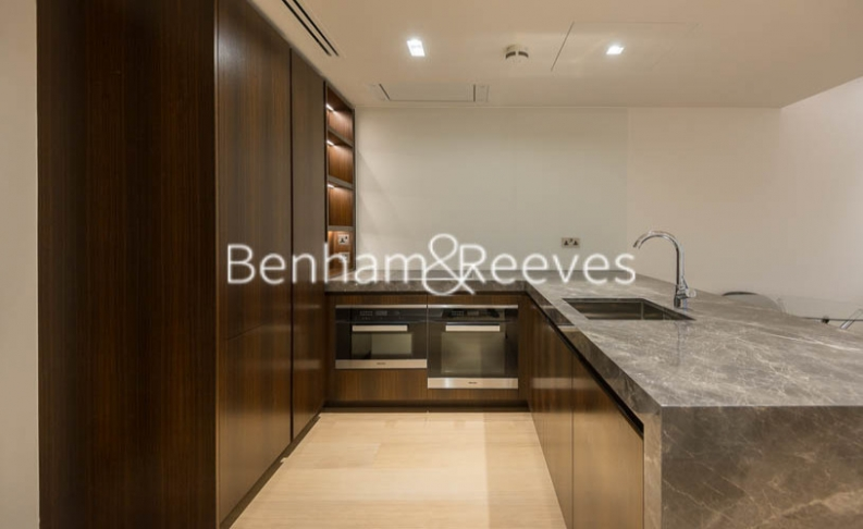 2 bedroom(s) flat to rent in Lincoln Square, Portugal Street, WC2A-image 2